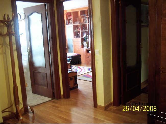 Piso zona palomera piso en zona la palomera con garaje y for Alquiler pisos navatejera